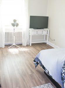 Chambre 204, lit simple